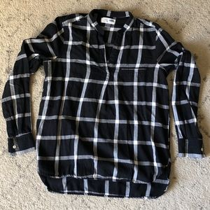 Old Navy Plaid Flannel Top - Black
